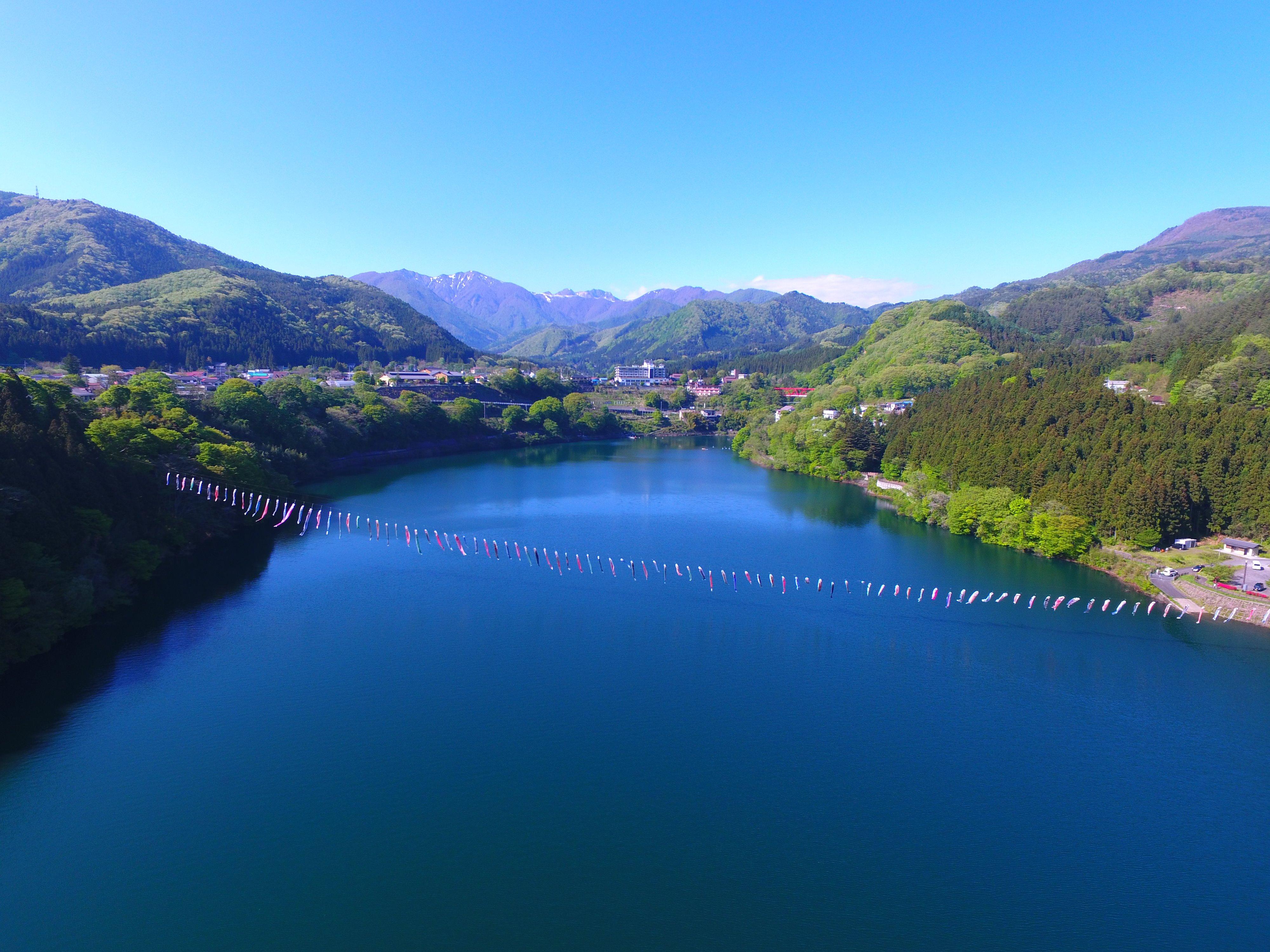 猿ヶ京温泉全景